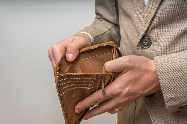 Organisations admit to payslip errors